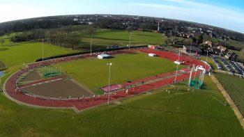 luchtfoto atletiekbaan - verhuur sportcomplex